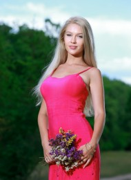 Diora, top Russian escort in Paris