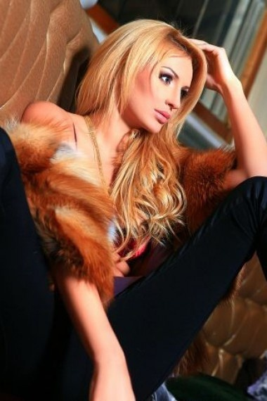 Emma, Russian escort who offers company in Florence (Florencia)