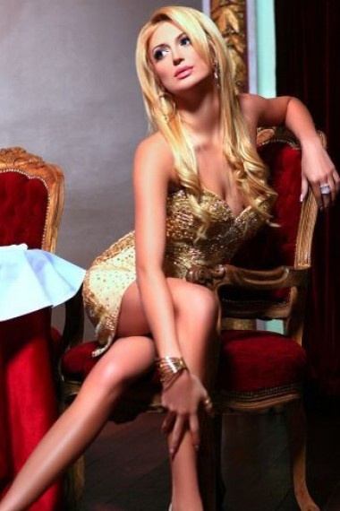 Emma, Russian escort who offers girlfriend experience in Florence (Florencia)