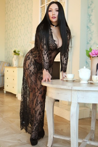 Karine, Russian escort who offers french kissing in Florence (Florencia)