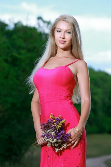 Diora, Russian escort who offers girlfriend experience in Florence (Florencia)