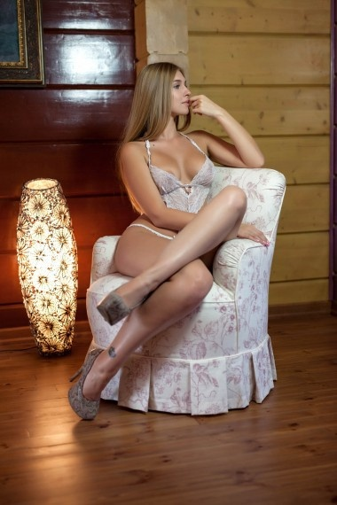 Erika, Russian escort who offers oral job in Florence (Florencia)