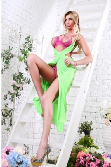 Gerana, Russian escort who offers oral job in Florence (Florencia)