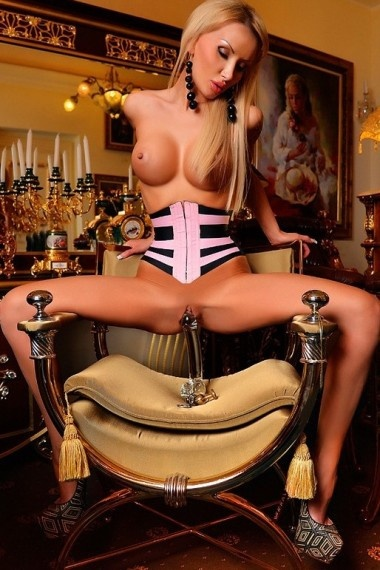 Lada, Russian escort who offers 69 in Florence (Florencia)