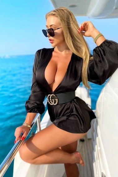 Nana, Russian escort who offers company in Florence (Florencia)